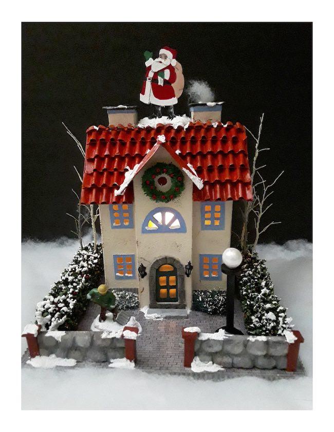 2020 Miniature Holiday House Elise Hartnagel