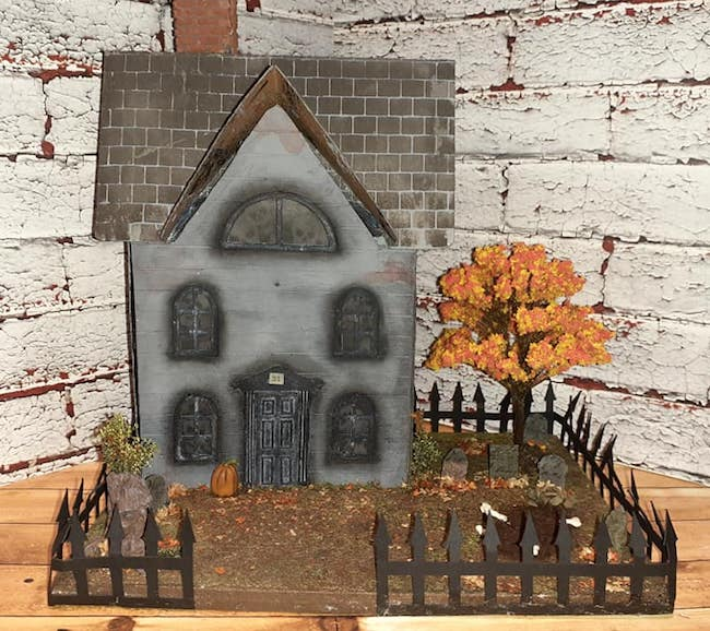 Barbara Halloween house 2020 entry