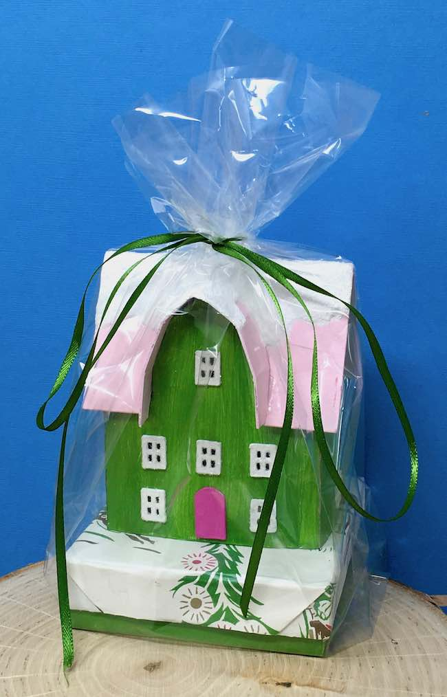 Barn-Shaped Front Gable Mini Paper House