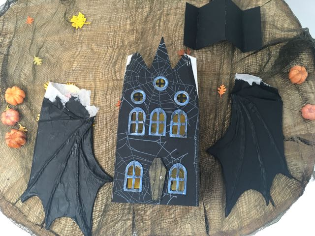 Bat wings and roof piece Bat Wing Halloween house #paperhouse #paperpatterns
