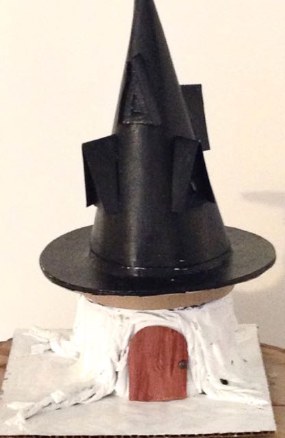 Black Hat Inn Halloween House on tree stump base