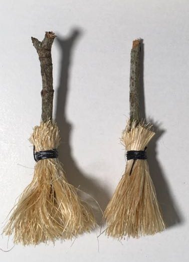 Easy way to make a miniature broom to be used in your Halloween crafts