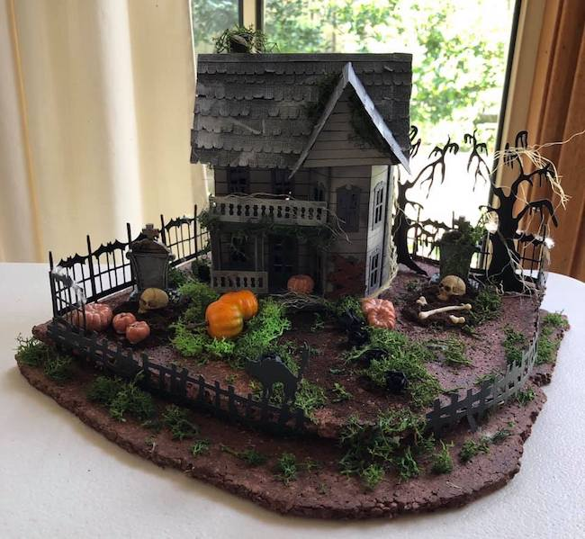 Cheryl Halloween House entry 2020