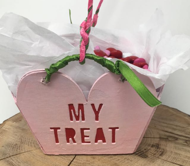 Closeup handle attached to the Valentine's candy basket