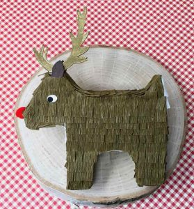 DIY HollyDeer pinata candy box