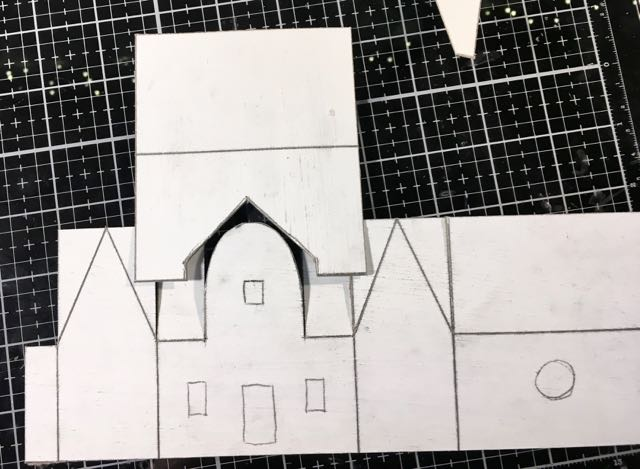 Design flaw in the first pattern for Christmas Putz house with rounded arch in front