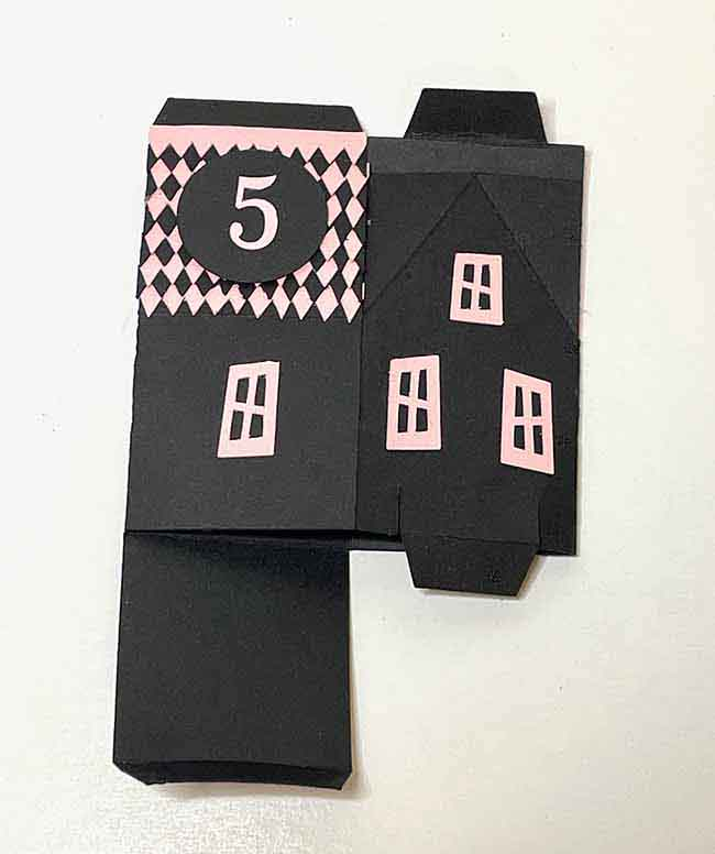 Fold little paper house box for storage