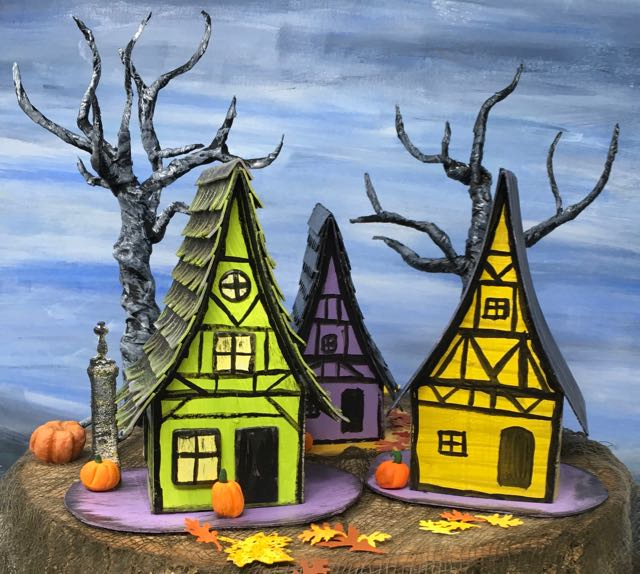 Medieval Haunted Paper Houses for Halloween village #paperhouse #halloweendecor #papercraft