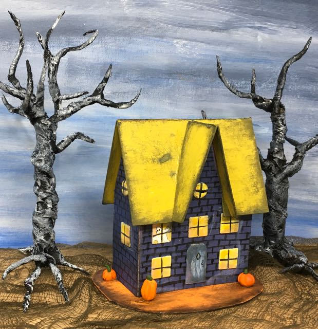 Middle Gable Halloween paper house No. 9 |DIY instructions| Free printable pattern|
