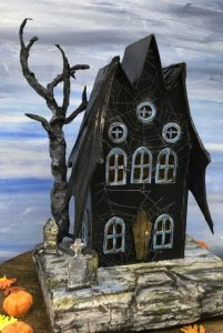 Make a Spooky Bat Wing Halloween House – Free pattern