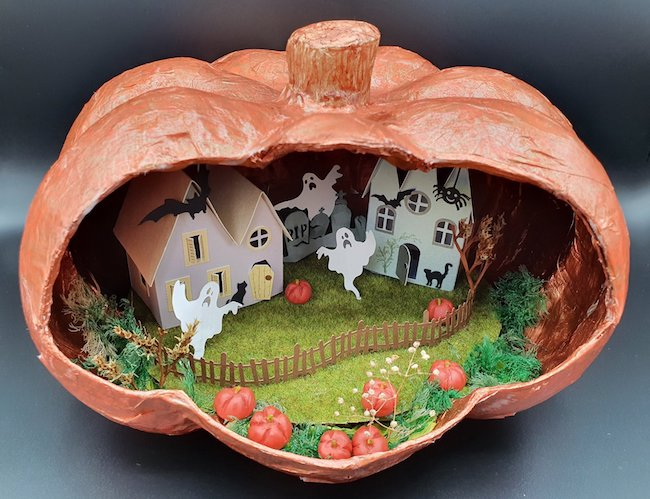 Gill Halloween house in pumpkin