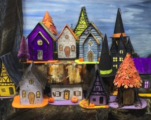 Halloween paper village 13 Days of Halloween #halloweenhouse #paperhouse #DIYhalloweendecorations