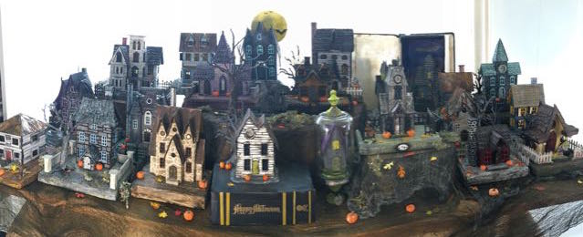 Halloween Village Paper Houses #halloweenvillage #putzhouses #halloween #papercraft