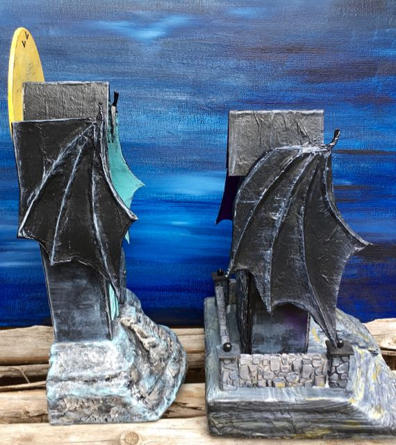Compare the bat wings on the two Bat Wing Halloween Paper Houses #halloweenhouse #putzhouse #halloween #papercraft