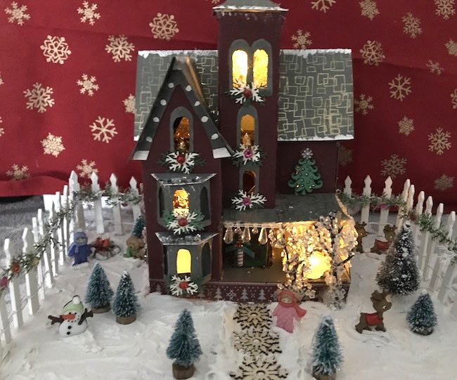 Karen Chemello2020mini christmas house1