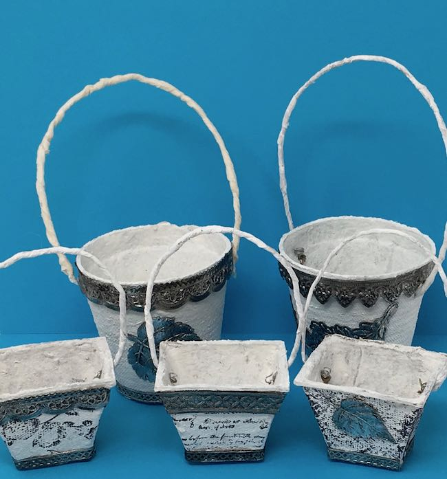 Peat pot Easter baskets decorated with metallic impresslit trim