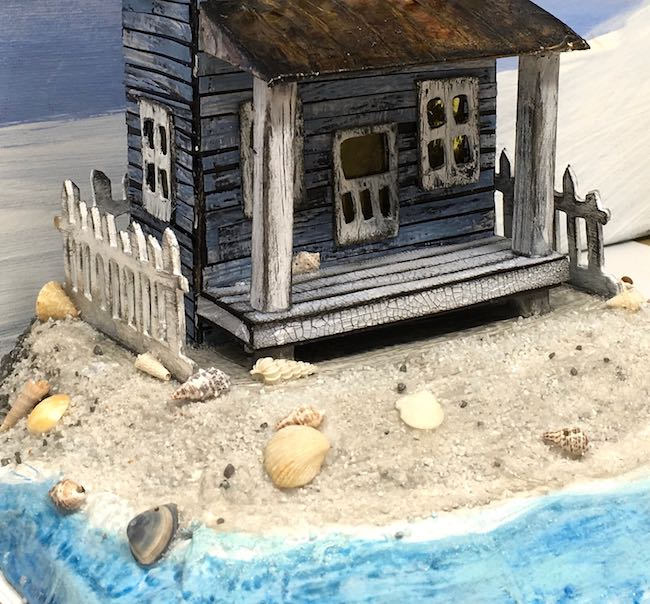Sandy beach on the Sea-Worn beach Putz house