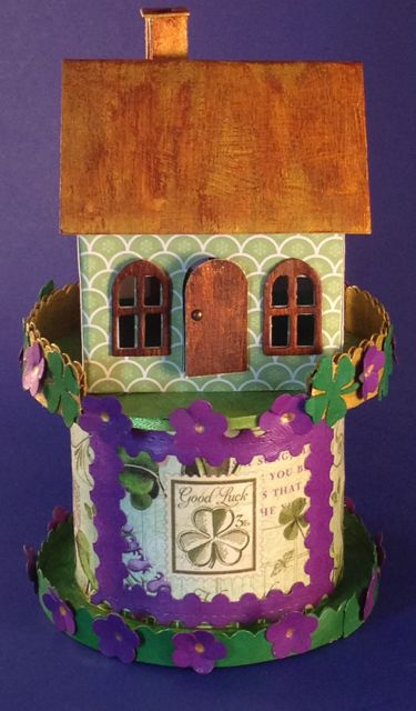 St. Patrick day house - shamrock Village Dwelling