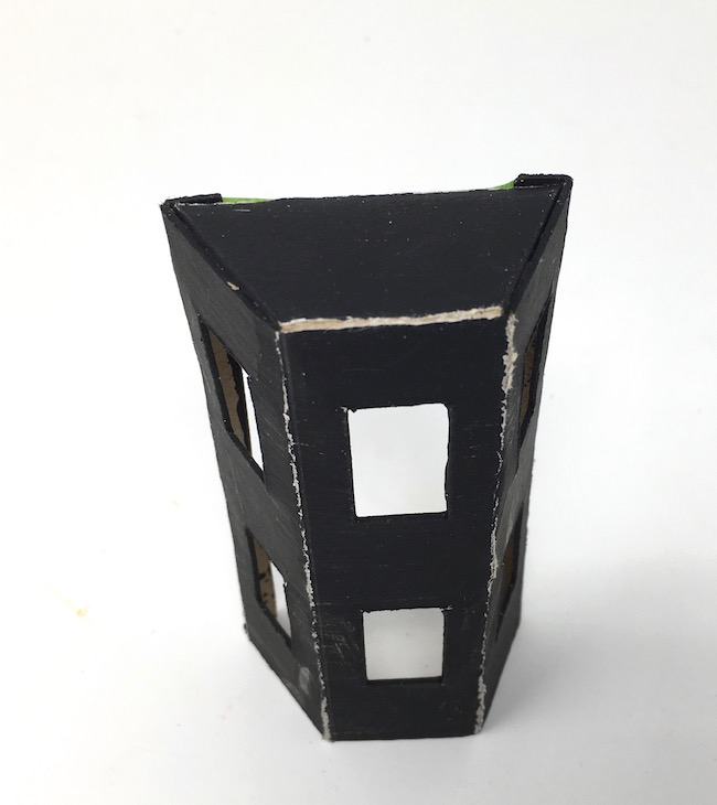 Structure of angled front extension miniature Halloween House
