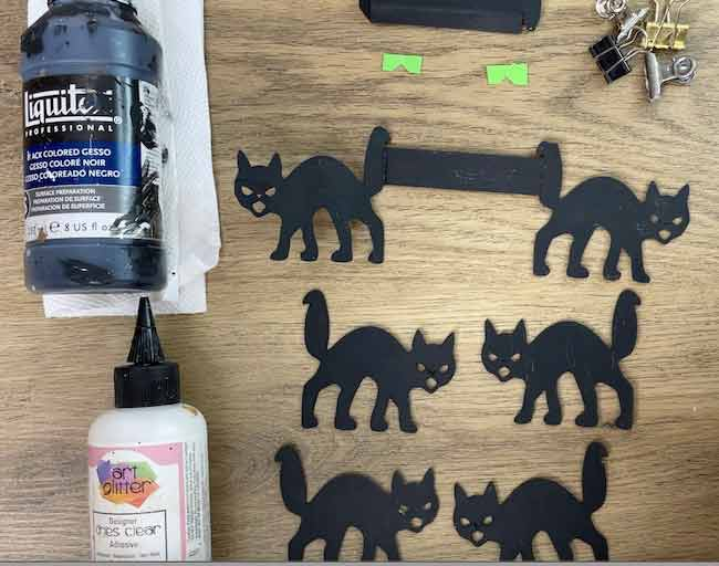 Supplies for the cat bench
