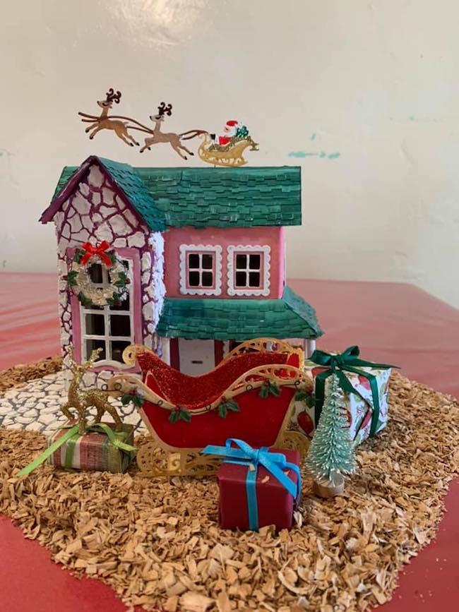 West Coast style Holiday House Melanie Duron