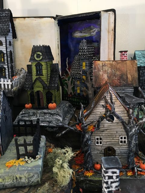 Halloween paper houses made for Habitat Fundraiser #halloweenvillage #putzhouse #glitterhouse #papercraft