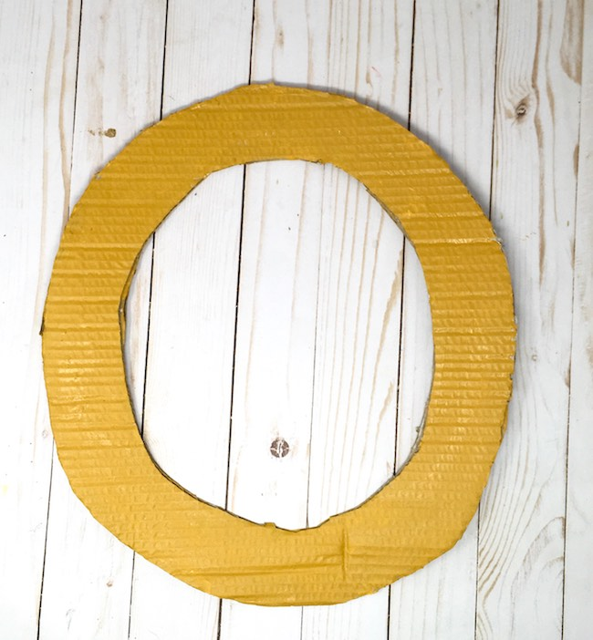 cardboard wreath painted background