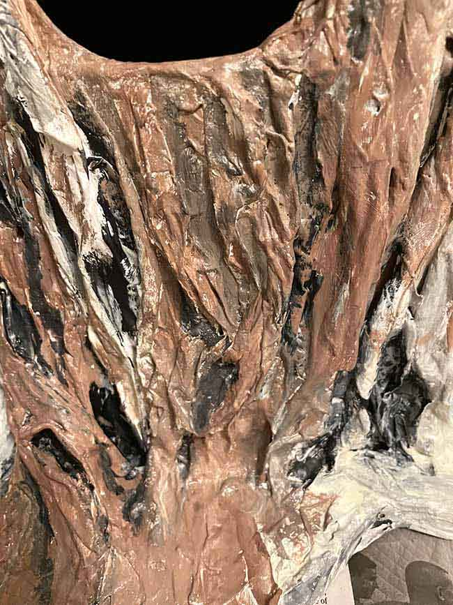 paint paper bark with brown paint